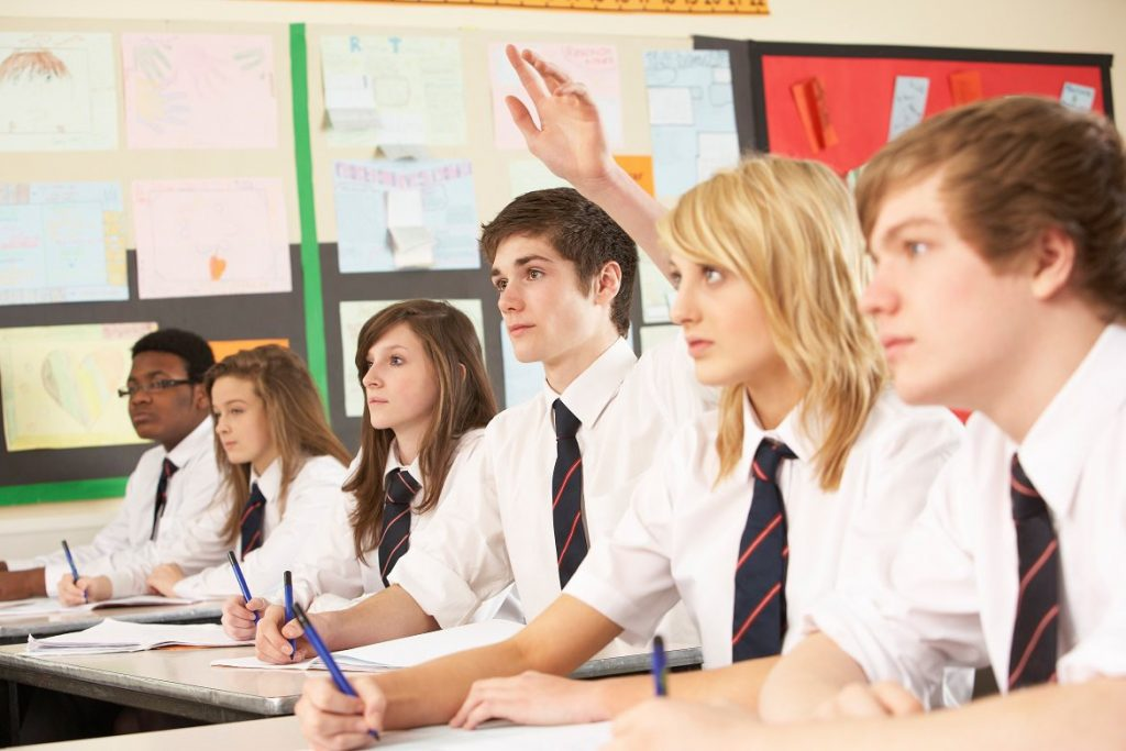 Học sinh không thích ngồi bàn đầu